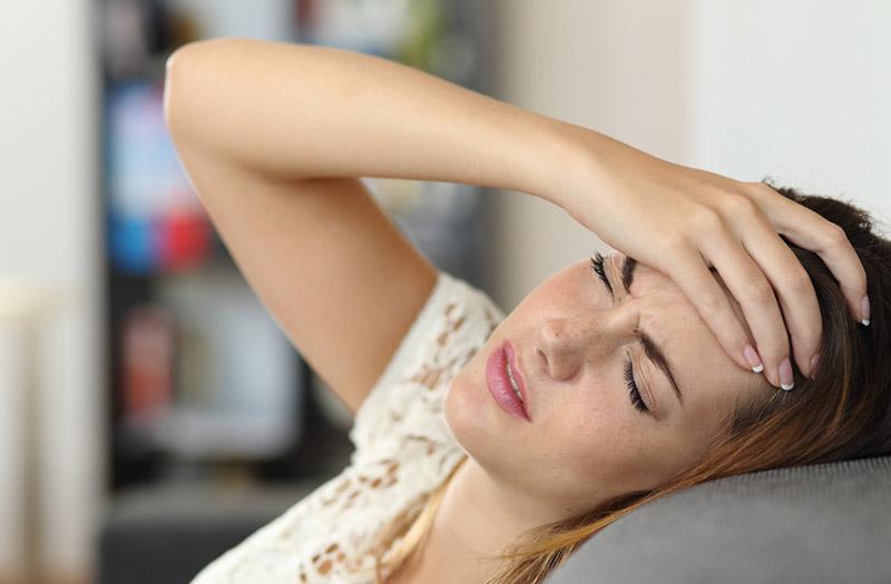 L'ostéopathie traite les maux de tête passagers ou chroniques